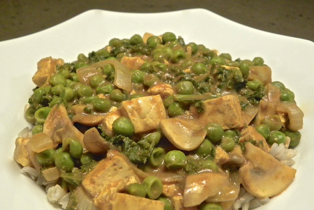 stir-fried veggies and tofu on brown rice
